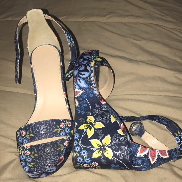 e6fc70700658 J. Crew Shoes - J. Crew Batik Flower Wedges. Excellent condition